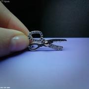 Серебряная брошка Ножнички.
